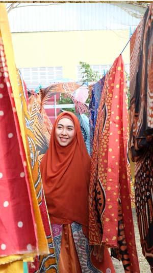 Oki Setiana Dewi6